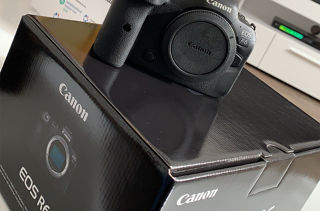Unboxing Image Canon EOS R6